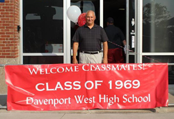 Welcome Classmates! Class of 1969 Davenport West High School